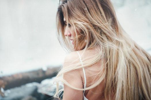 Blond bez żółtych tonów? Chłodny odcień brązu?